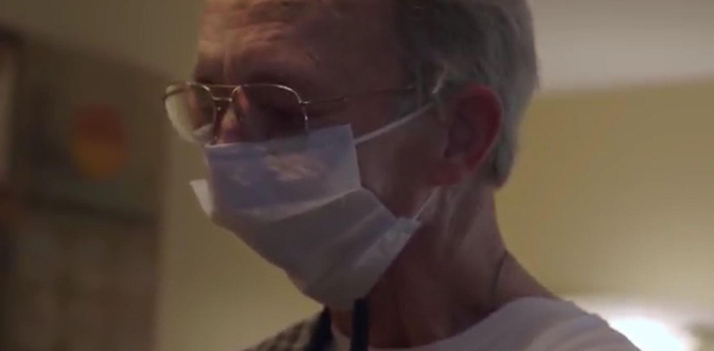 این بیمار سرطانی اکنون از یک فک ساخته شده با چاپگر سه بعدی استفاده میکند + ویدئو