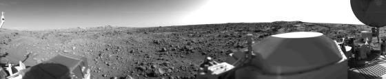 اولین تصویری که از سطح مریخ به ثبت رسیده است